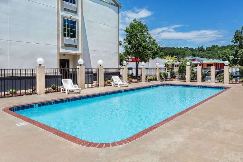 Baymont Inn and Suites North Little Rock Arkansas pool