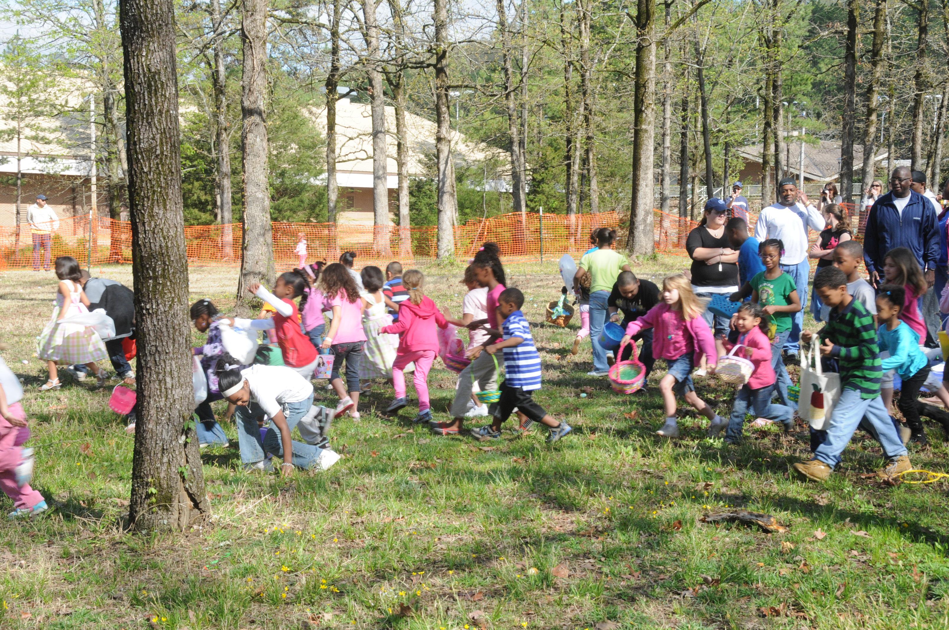Burns Park Easter Egg Hunt North Little Rock